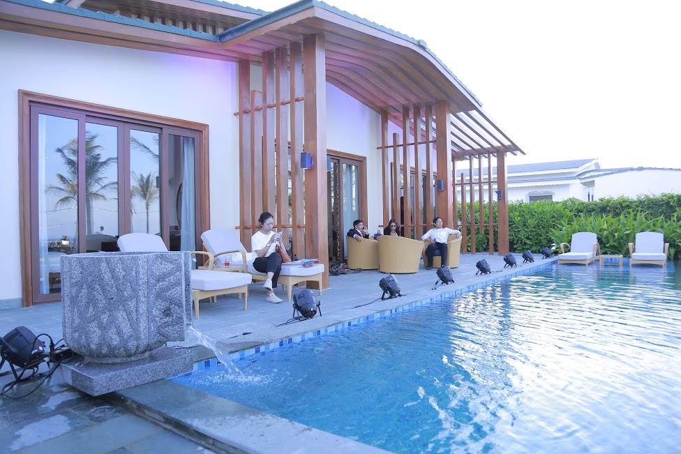 """Bất động sản - Khách hàng """"Trải nghiệm Mövenpick Resort Cam Ranh – Trái tim Bãi Dài, thiên đường biển biếc"""""""