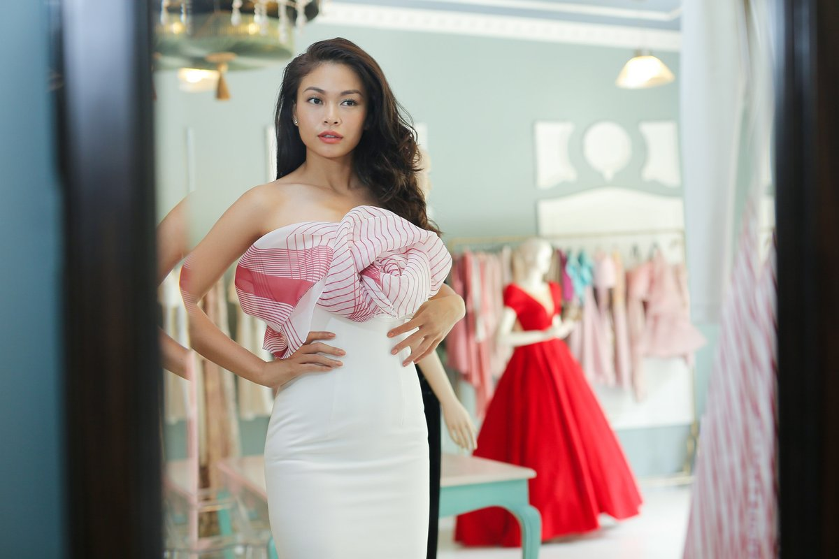 Giải trí - Mâu Thủy đối đầu với Phạm Hương, Minh Tú trong show thời trang mới (Hình 4).