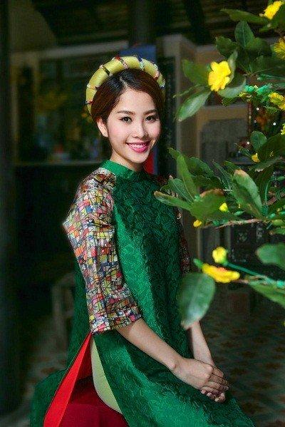 Ngôi sao - Hoa khôi Nam Em nói gì khi bị nghi hẹn hò tình cũ của Hồ Ngọc Hà?