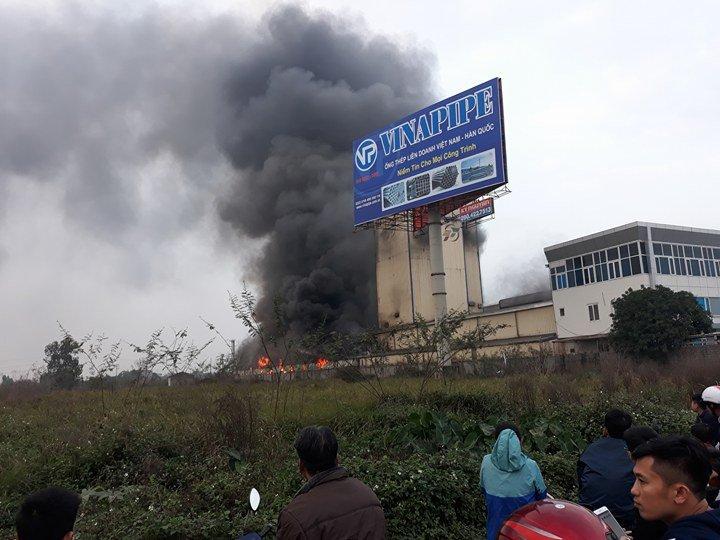 Tin nhanh - Hải Dương: Cháy lớn tại nhà máy thức ăn chăn nuôi (Hình 4).