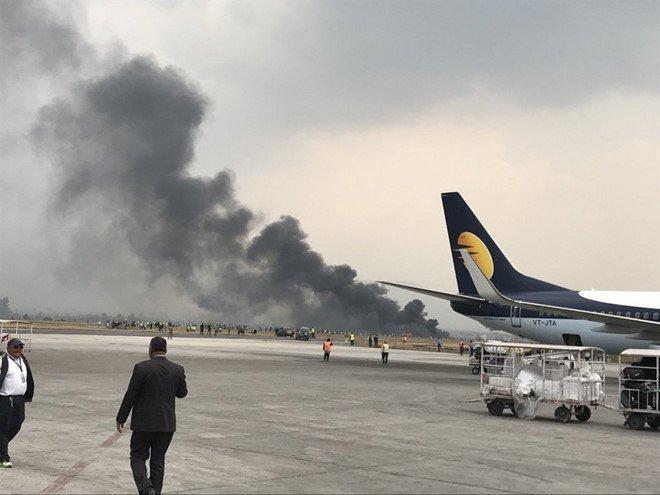 Tiêu điểm - Máy bay bốc cháy khi hạ cánh tại Nepal: Ít nhất 40 người chết