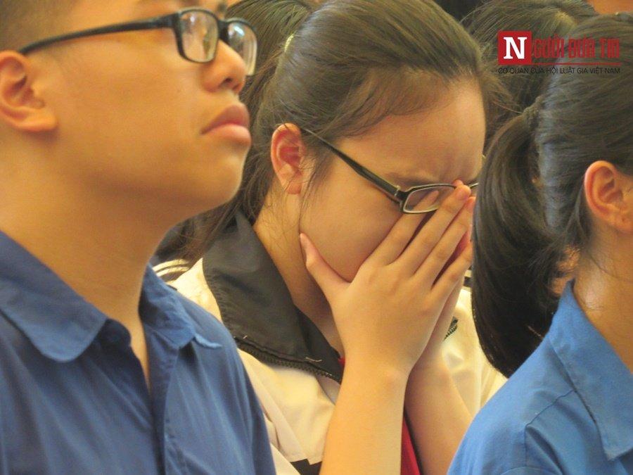 Đời sống - Hàng nghìn cô trò đứng dọc hai bên đường tiễn biệt nhà giáo Văn Như Cương  (Hình 4).