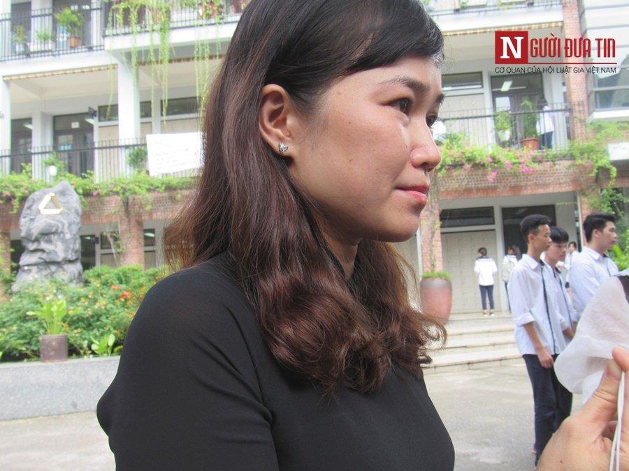 Đời sống - Hàng nghìn cô trò đứng dọc hai bên đường tiễn biệt nhà giáo Văn Như Cương  (Hình 2).