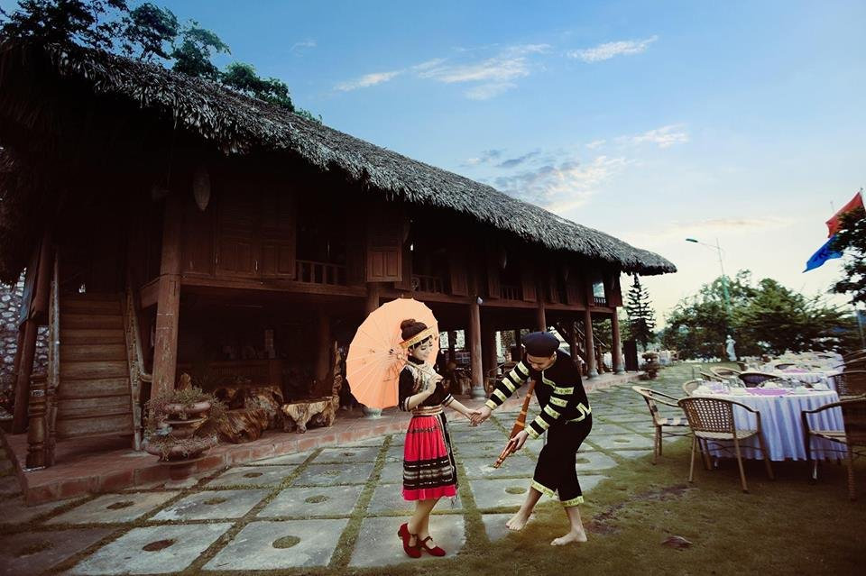 Cộng đồng mạng - Cô dâu, chú rể Yên Bái hát hay như ca sĩ trong đám cưới  (Hình 6).
