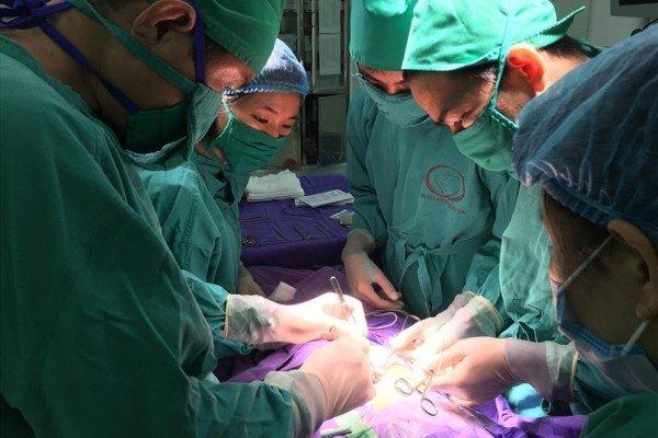 Các bệnh - Phẫu thuật cắt túi thừa bàng quang thành công cho trẻ 5 ngày tuổi