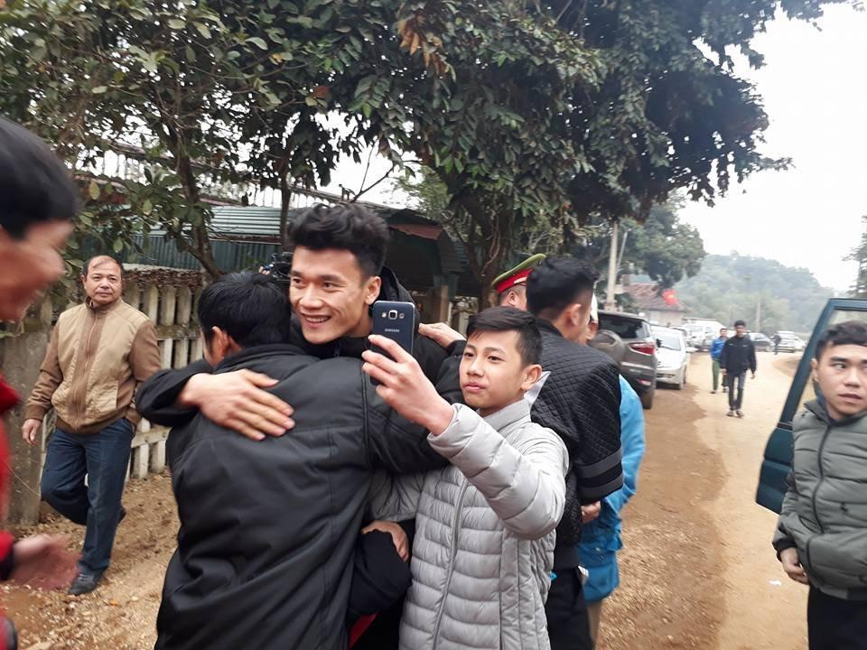 Bóng đá Việt Nam - Thủ môn Bùi Tiến Dũng tiết lộ kế hoạch trong những ngày tới