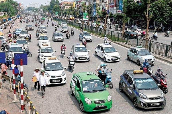Xã hội - 'Mặc đồng phục' cho taxi lợi cả doanh nghiệp và hành khách?