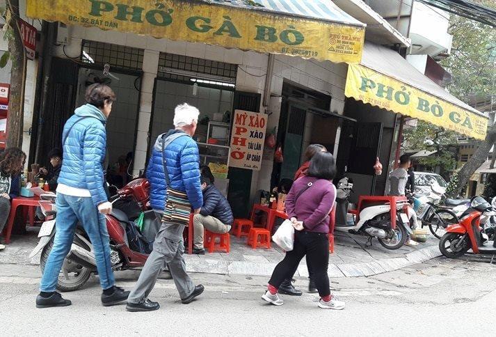 Xã hội - Vỉa hè Hà Nội bị tái chiếm: 'Cần nhiều người như ông Đoàn Ngọc Hải'