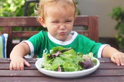 Sức khỏe - Bổ sung chất xơ đúng cách cho trẻ bị táo bón