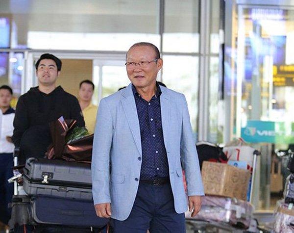 Thể thao - Tuyên bố của HLV Park Hang-seo ngày đầu đặt chân tới Việt Nam