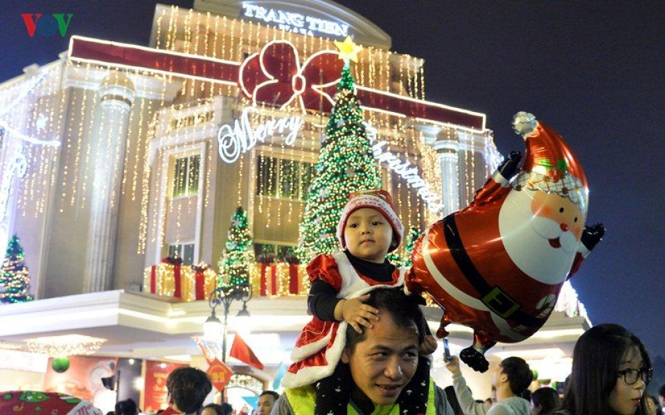 Cộng đồng mạng - Những địa điểm đi chơi lễ Giáng sinh thú vị ở Hà Nội