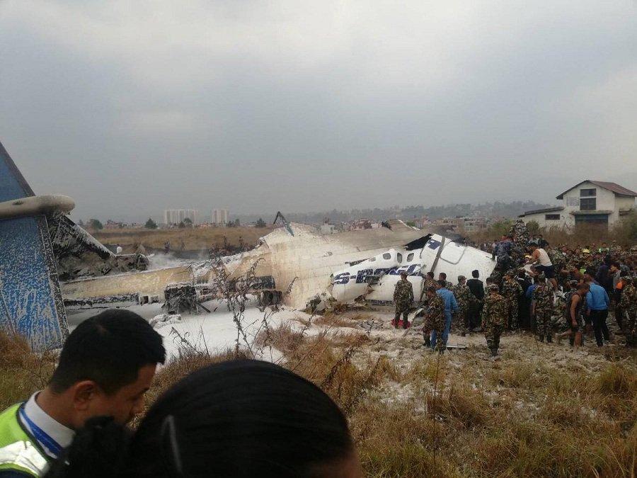 Tiêu điểm - Nepal: Máy bay Bangladesh bốc cháy ngùn ngụt và rơi tại Thủ đô Kathmandu