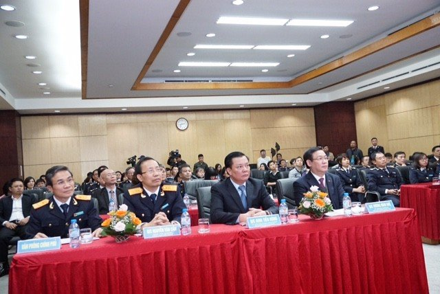 Truyền thông - Xuất nhập khẩu hàng Việt Nam đạt mốc 400 tỷ USD