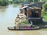 An ninh - Hình sự - Điều tra nguyên nhân ghe chở hàng chục tấn lúa chìm xuống sông