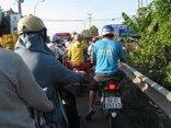 Tin nhanh - Người dân đổ về miền Tây ăn Tết, phà Vàm Cống ùn xe hàng km