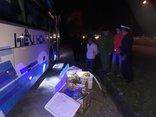 Tin nhanh - Hà Tĩnh: Bắt xe khách vận chuyển thực phẩm không rõ nguồn gốc