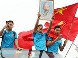 Bóng đá Việt Nam - Tỉnh Hà Tĩnh tặng bằng khen cho trung vệ Bùi Tiến Dũng
