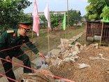 Mới- nóng - Clip: Cận cảnh gần 6 tấn đầu đạn trong vườn nhà dân tại Hưng Yên