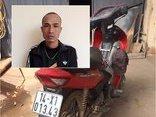An ninh - Hình sự - Gã nghiện bị công an bắt tại trận khi đang trộm cắp xe máy