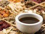 Sức khỏe - Nhiễm độc nặng, tử vong vì tự ý dùng thuốc nam sắc uống kéo dài