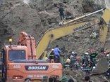Tin nhanh - Xót xa khi tìm thấy hai phần thi thể của nạn nhân vụ lở đất ở Hòa Bình