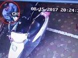 Video - Clip: Trộm táo tợn bẻ khóa 'cuỗm' SH trong 20 giây giữa phố Hà Nội