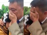 Mới- nóng - Clip: Xúc động khoảnh khắc bố khóc nức nở tiễn con về nhà chồng