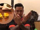 Giải trí - Clip: Hài hước với màn dùng 'nội công' cắt đôi trái khế của Tuấn Hưng