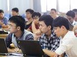 Giáo dục - Hợp nhất bằng chính quy, tại chức: Sinh viên chính quy phản đối