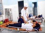 Tin nhanh - Nghi ăn đồ từ thiện, 84 học sinh ngộ độc phải nhập viện cấp cứu