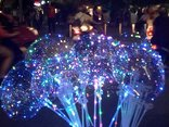 Dân sinh - Bong bóng Galaxy ngập tràn các con phố Sài Gòn mùa Noel