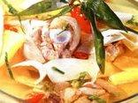 Gia đình - Cuối tuần vào bếp nấu món gà om măng chua ngon tuyệt