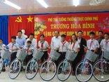 Xã hội - Phó Thủ tướng tặng 100 xe đạp cho học sinh nghèo ở Cà Mau