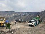 Điểm nóng - Quảng Ninh: Bắt quả tang 2 xe đổ hàng trăm tấn rác thải trái phép