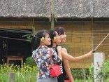 Văn hoá - 'Hot girl' khoe sắc tại lễ hội Cầu bông xứ Quảng