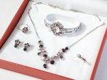 Gia đình - Gợi ý những món quà Valentine tặng bạn gái thiết thực và ý nghĩa nhất