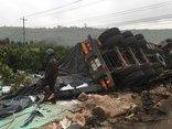 Tin nhanh - Đắk Lắk: Xe đầu kéo chở phân bón lật úp, 2 người tử vong