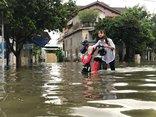 Chính trị - Xã hội - Áp thấp nhiệt đới đổ bộ, học sinh Nghệ An và Hà Tĩnh được nghỉ học