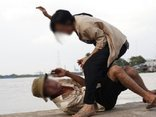 Xã hội - 58 người chồng ở Nghệ An bị vợ dùng vũ lực bạo hành thân thể