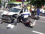 Tin nhanh - 6 xe tông nhau liên hoàn, 5 người trọng thương