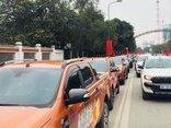Bóng đá Việt Nam - Đoàn ô tô xứ Nghệ diễu hành đón các cầu thủ U23 Việt Nam về quê