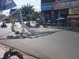 Tin nhanh - Bình Dương: Đèn hoa trang trí hàng tấn đổ sập