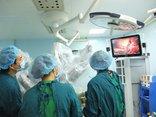 Sức khỏe - Lần đầu tiên phẫu thuật ung thư gan thành công nhờ robot