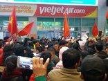 Bóng đá Việt Nam -  Áp lực người hâm mộ 'bủa vây', các cầu thủ U23 VN bí mật rời sân bay Vinh