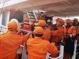 Chính trị - Xã hội - Gặp nạn trên biển, thuyền viên nước ngoài được cấp cứu kịp thời