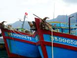 An ninh - Hình sự - Phát hiện 2 tàu cá chở 64.000 lít dầu DO không rõ nguồn gốc