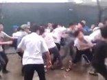 An ninh - Hình sự - Điều tra làm rõ vụ một học sinh bị đánh trước cổng trường