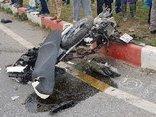 Tin nhanh - Hà Nội: Dừng nghe điện thoại bên đường, người đàn ông bị xe tải đâm tử vong