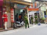 Tin nhanh - Hà Nội: Phát hiện thi thể người đàn ông treo cổ trên cột điện