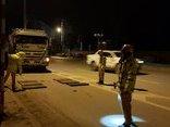 Tin nhanh - Hà Nội: Thi gan với CSGT 5 tiếng, tài xế xe tải bị phạt 16 triệu đồng